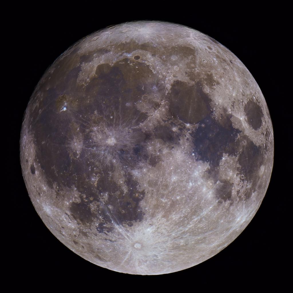 mesiac3112017_l3_ap865