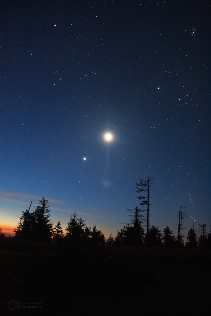 Morning conjunction and Perseid meteor