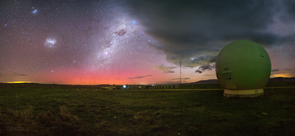 Aurora Australis and the Radar dome