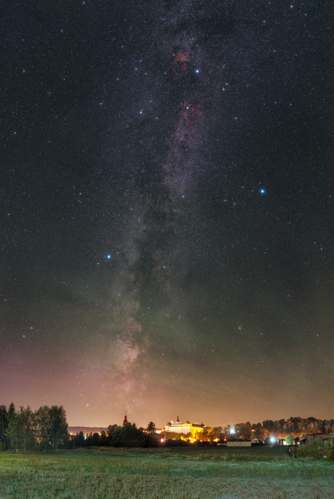 Milky Way and Airglow over Broumov