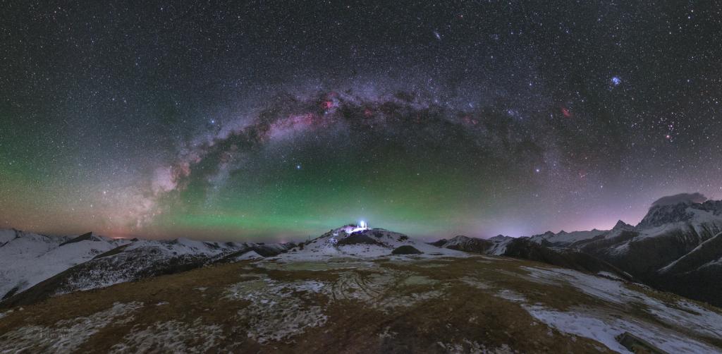 Light upt the Tibetian sky