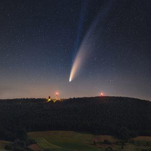 Kometa NEOWISE nad Suchým Vrchem