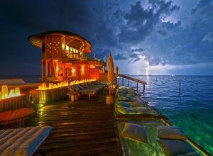 Bouře nad Maledivami