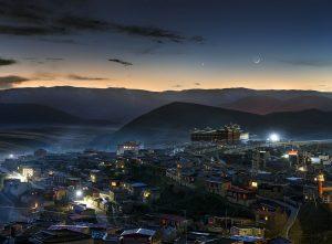Srpek nad Tibetským městem